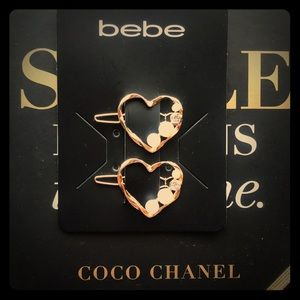 Bebe hair barretes heart💛 shaped